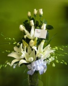 Elegance White flowers Vase Arrangment