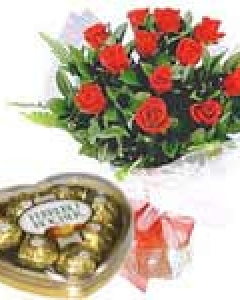 12 Red Rose W/ Ferrero Rocher Chocolate