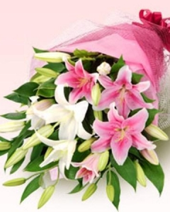 pink & white lilies bouquet